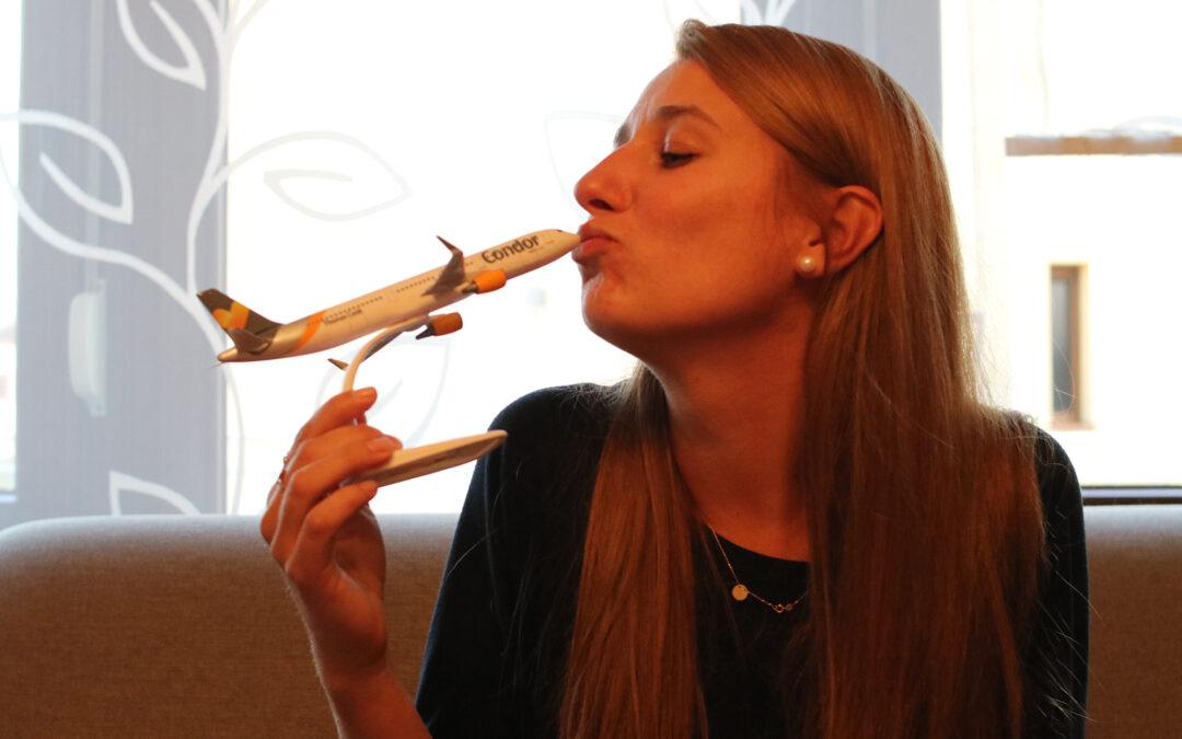 Jak wygląda życie stewardessy? Rozmowa z Kariną Mrowiec z Tworkowa