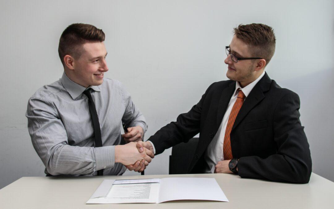 Praca przez agencje – czy warto?